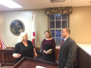 Judge Kemmer prepares to swear in Terry Morton | Courtesy of Bibb Voice